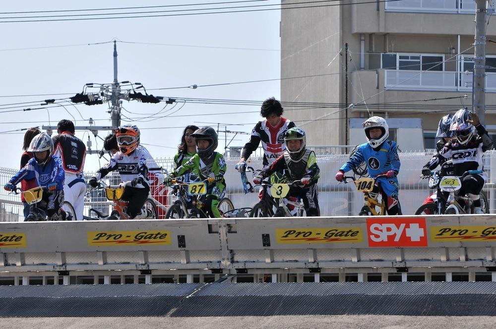 JBMXFシリーズ第1戦(西日本シリーズ第1戦)VOL21:ボーイズ11〜12歳 準決勝_b0065730_14153072.jpg