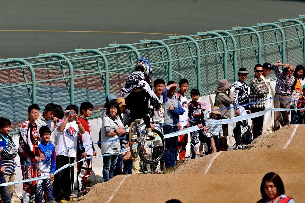 JBMXFシリーズ第1戦(西日本シリーズ第1戦)VOL21:ボーイズ11〜12歳 準決勝_b0065730_141923100.jpg