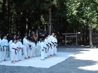 平成25年度 護山神社春祭 空手奉納_d0010630_16112291.jpg