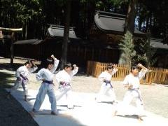 平成25年度 護山神社春祭 空手奉納_d0010630_161153.jpg