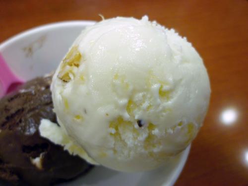 サーティワンアイスクリーム 池袋店_c0152767_2212624.jpg