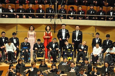 障害者の合唱団がNYで「歓喜の歌」を歌う、奇跡の第九コンサート!_c0050387_1516124.jpg