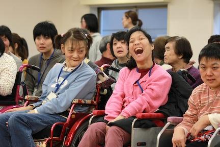 障害者の合唱団がNYで「歓喜の歌」を歌う、奇跡の第九コンサート!_c0050387_15245374.jpg