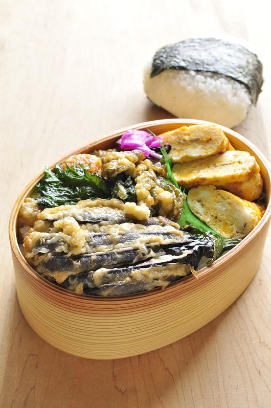 野菜天丼弁当_b0171098_8444516.jpg