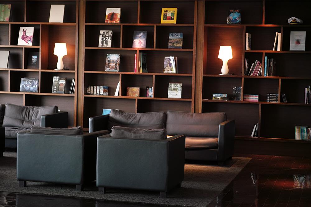 Bookshelf #DP3 Merrill_c0065410_0274444.jpg