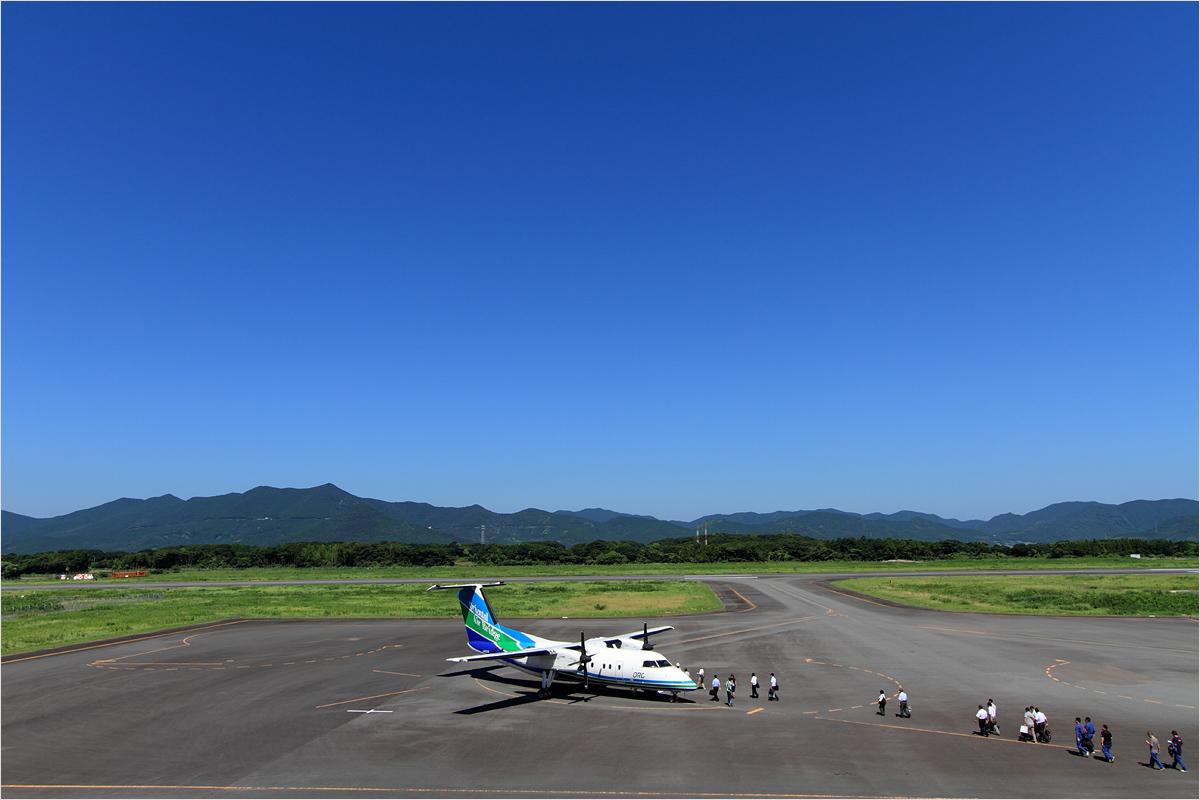 展望デッキより - 福江空港_c0308259_2252318.jpg