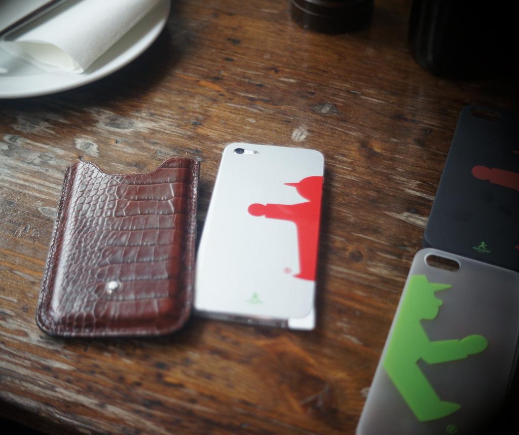 iPhone5用のケース,サンプルが出来上がりました。_c0180686_1335391.jpg