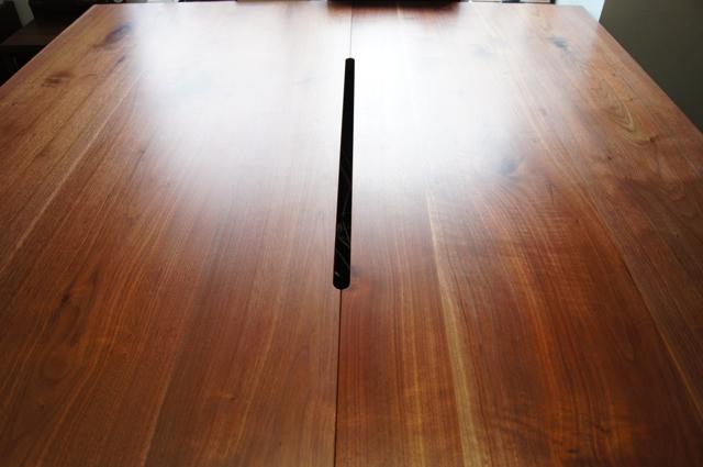 無垢のウォールナットのデスク(豊中市)_a0122528_2213193.jpg