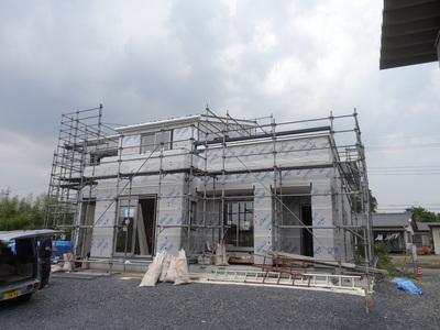 粕川のO島様の現場も外壁工事となりました。_a0084859_17264327.jpg