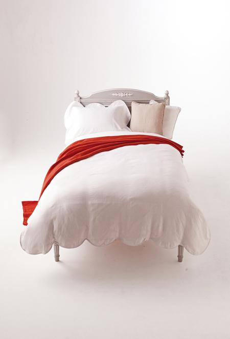 伊勢丹新宿店本館5階=寝具 「リネンで彩る夏のベッドルーム」_f0111065_101037.jpg