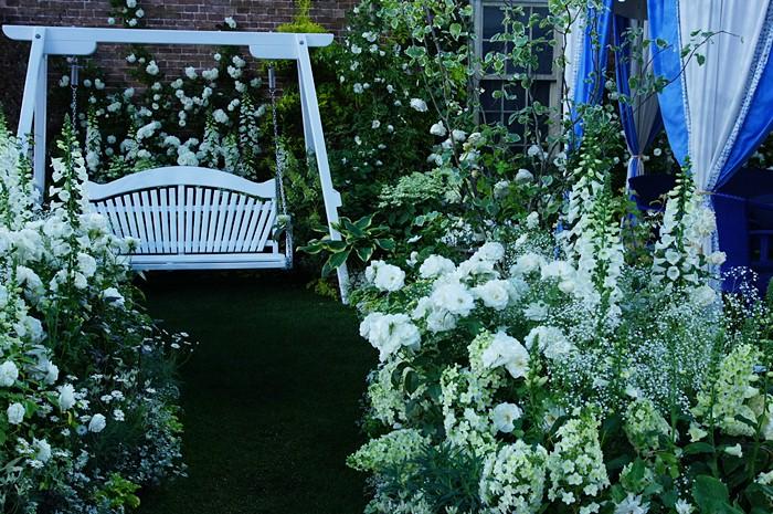 第15回 国際バラとガーデニングショウ オードリー・ヘップバーンが愛した庭_b0145398_17221292.jpg