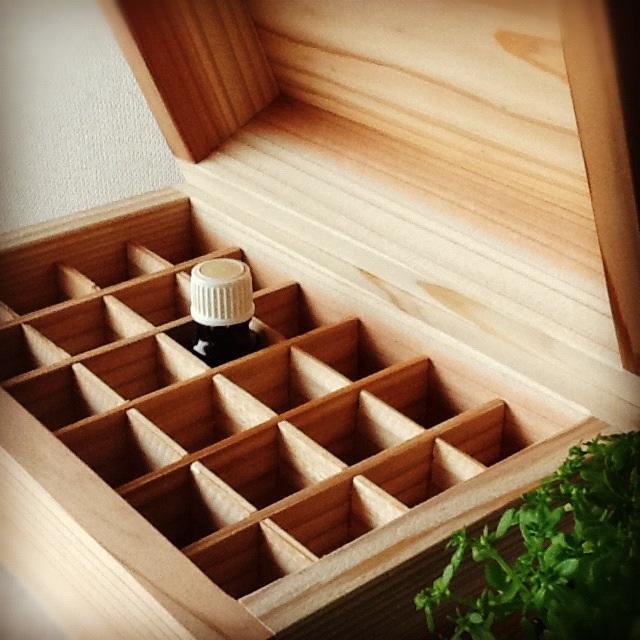 精油box(24本収納)&精油スタンド。_b0125443_1348487.jpg