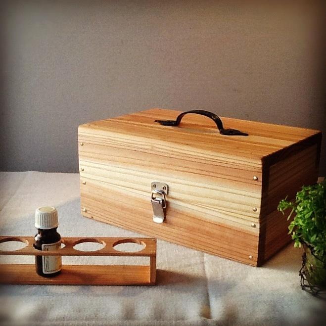精油box(24本収納)&精油スタンド。_b0125443_1357740.jpg