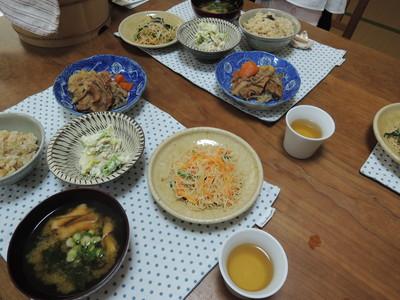 今日は車麩肉じゃが、白和え、玄米ビーフン炒めを作りました_b0252363_15593158.jpg