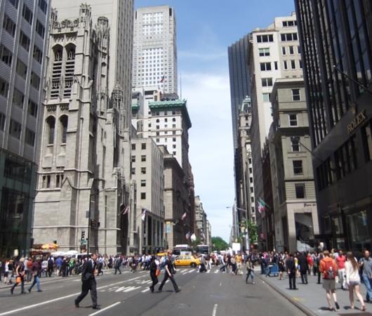 初夏のニューヨークのミッドタウン風景_b0007805_12115948.jpg