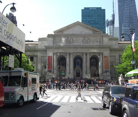 初夏のニューヨークのミッドタウン風景_b0007805_1245081.jpg