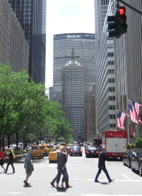 初夏のニューヨークのミッドタウン風景_b0007805_124963.jpg