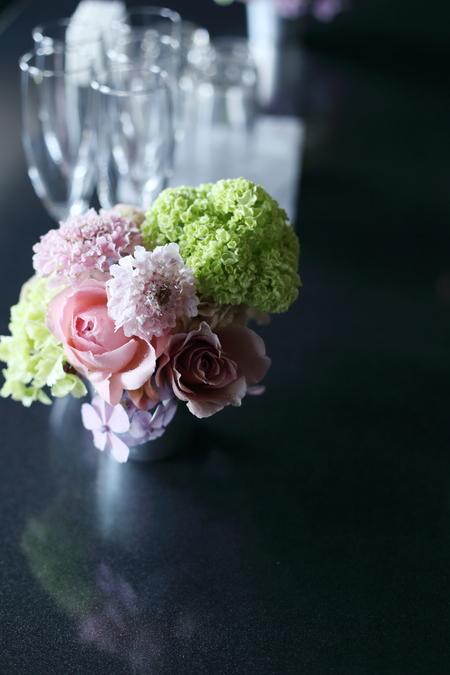 初夏の装花 ひとつの夢 新宿スカイギルド様へ_a0042928_22101641.jpg