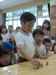 保育園でコマまわし☆第3弾_a0272042_17505067.jpg