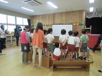 保育園でコマまわし☆第3弾_a0272042_180444.jpg