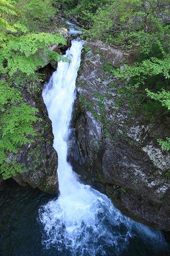 水辺の風景 滝_c0155950_2314511.jpg
