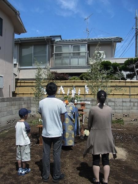 桜上水で地鎮祭_c0019551_2021042.jpg
