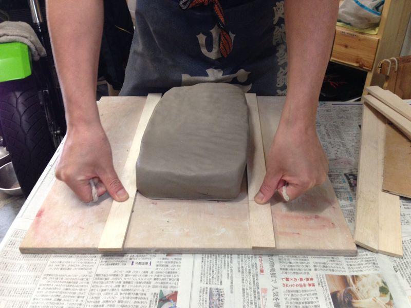 久しぶりの陶芸で皿と箸置き作りました\(^o^)/_c0110051_23395537.jpg