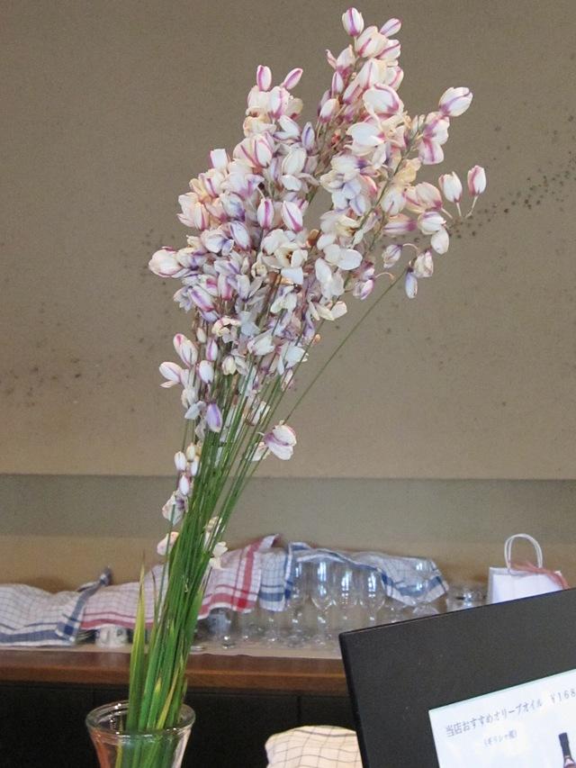 店の中は花盛り_d0177560_18303176.jpg