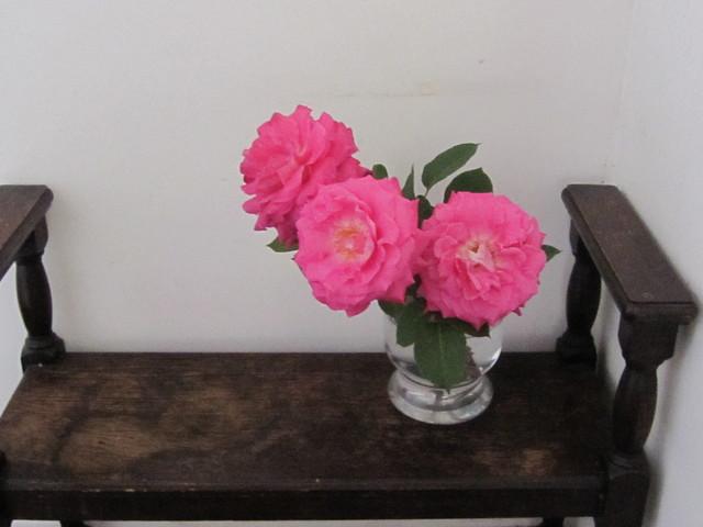店の中は花盛り_d0177560_18312922.jpg