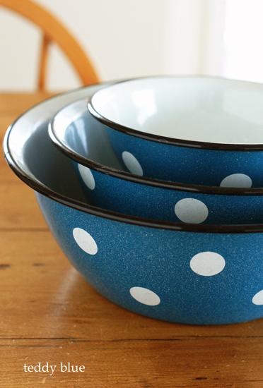 enamel dots nesting bowls  ホーローのネスティングボウル_e0253364_9543654.jpg