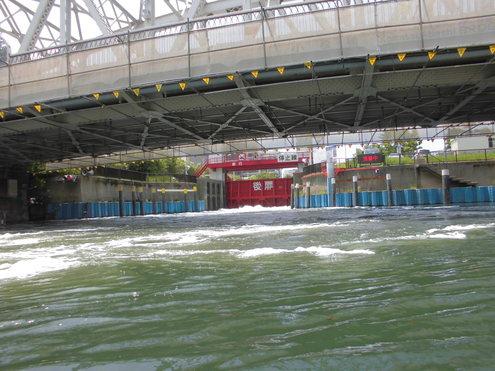水門から水門_c0249569_15036.jpg