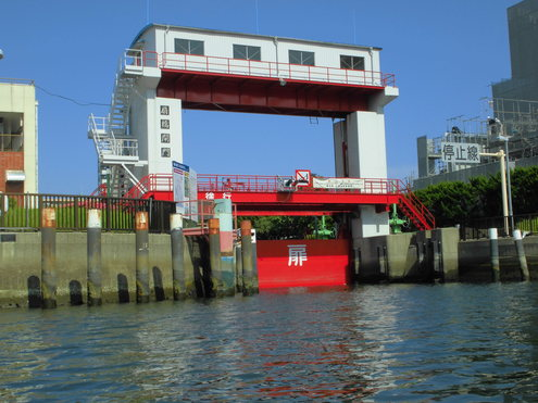 水門から水門_c0249569_1551171.jpg
