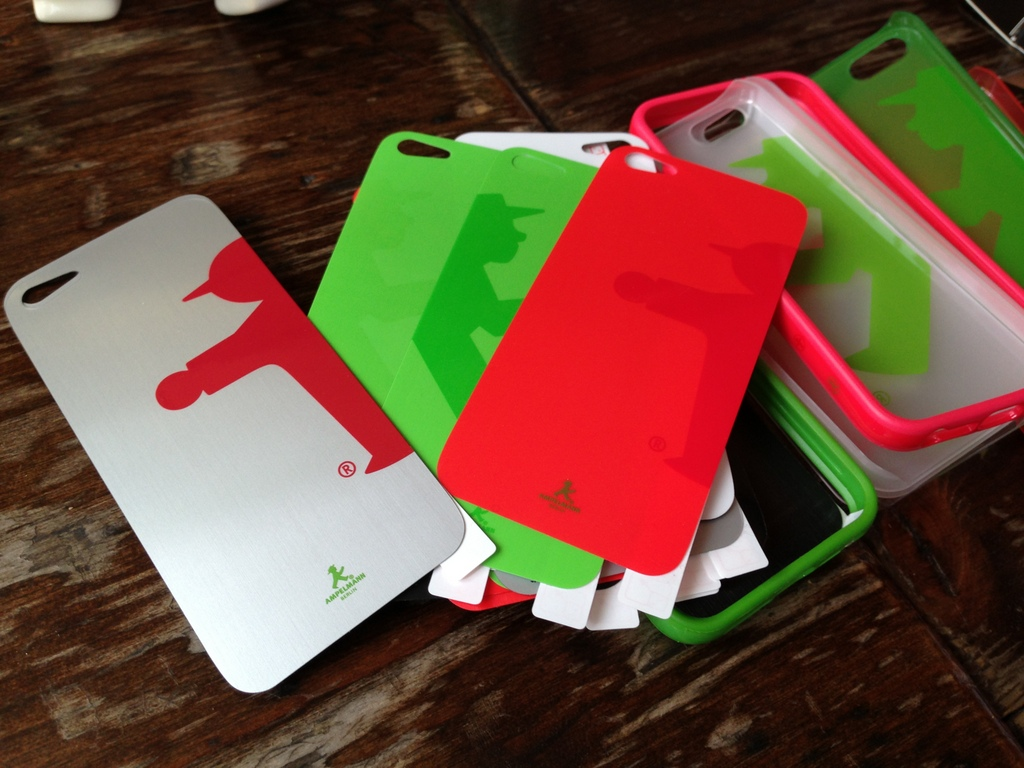 iPhone5ケース/背面保護シール_c0180686_19235359.jpg