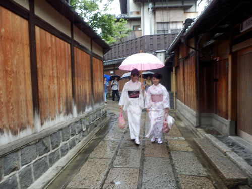 三寧坂から八坂神社まで_e0048413_20583368.jpg