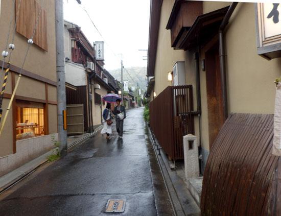 三寧坂から八坂神社まで_e0048413_2059994.jpg