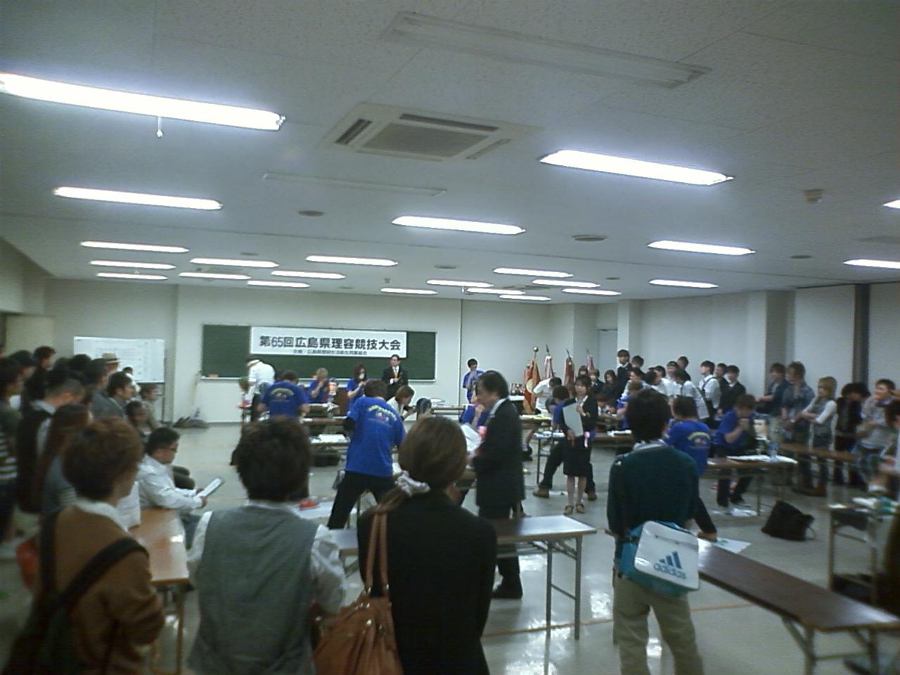 第65回 広島県理容競技大会_e0036217_21193360.jpg