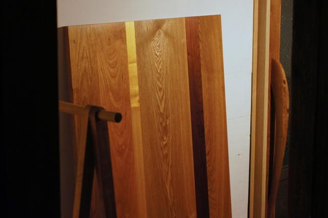 寄せ木の天板とナラのTVボード_a0122528_2285927.jpg