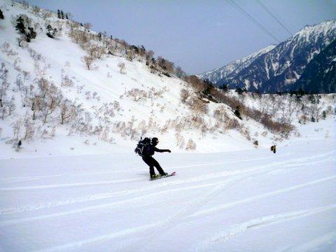 【滑走レポ 2013.4.17】 初めてのOPEN立山!!後編@立山_e0037849_20252869.jpg
