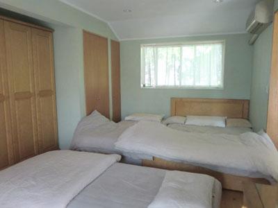 築109年のおうちの寝室_c0293787_10513670.jpg