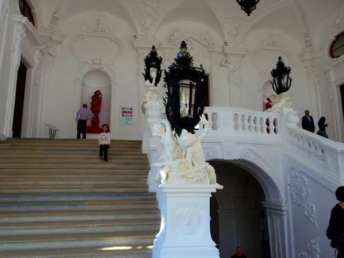 ウィーン&ロンドンへの旅(6)―ウィーン市内散策、ベルヴェデーレ宮殿、公園、子ども_e0123104_63813100.jpg