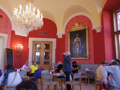 ウィーン&ロンドンへの旅(6)―ウィーン市内散策、ベルヴェデーレ宮殿、公園、子ども_e0123104_6391476.jpg