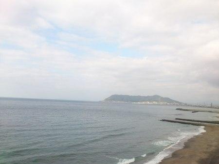 湯の川海岸と函館山_b0106766_23231231.jpg