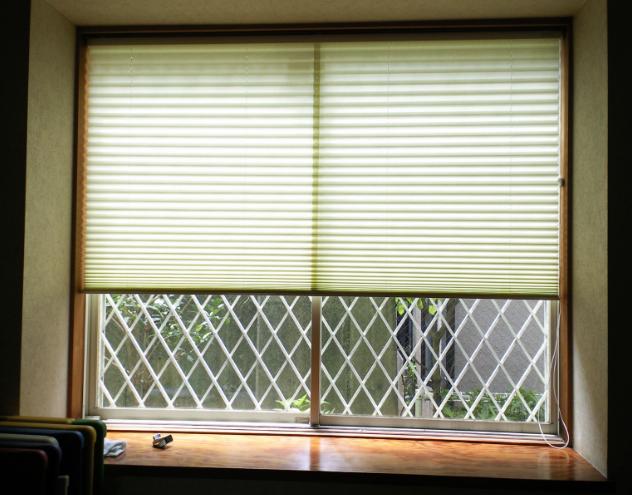 和室の窓に、和紙のプリーツスクリーンをお取り付け。_c0157866_2193854.jpg