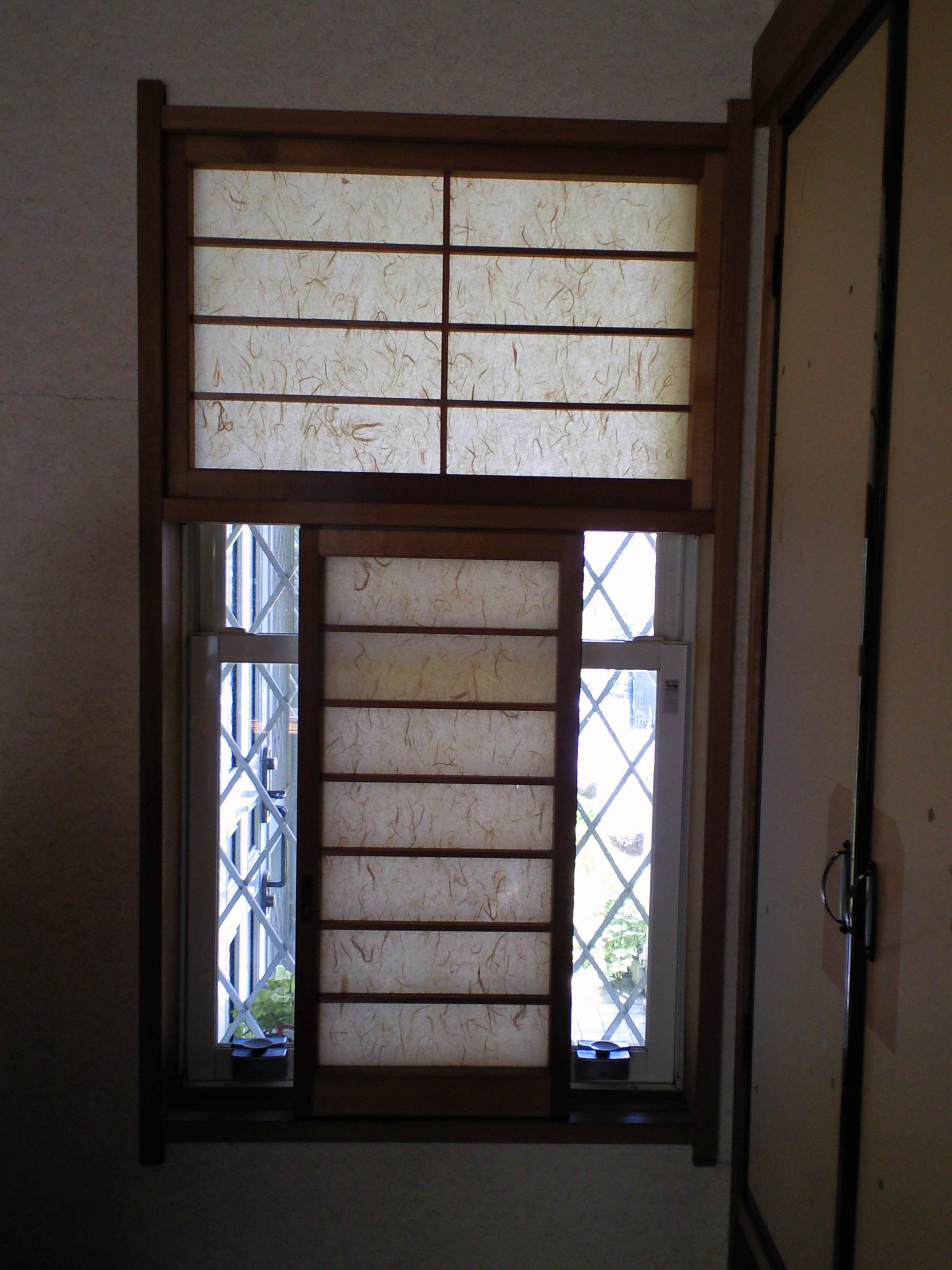 和室の窓に、和紙のプリーツスクリーンをお取り付け。_c0157866_2195729.jpg