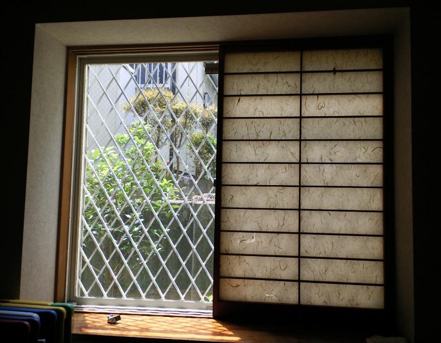 和室の窓に、和紙のプリーツスクリーンをお取り付け。_c0157866_219763.jpg