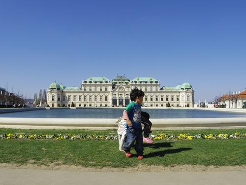 ウィーン&ロンドンへの旅(6)―ウィーン市内散策、ベルヴェデーレ宮殿、公園、子ども_e0123104_6171480.jpg