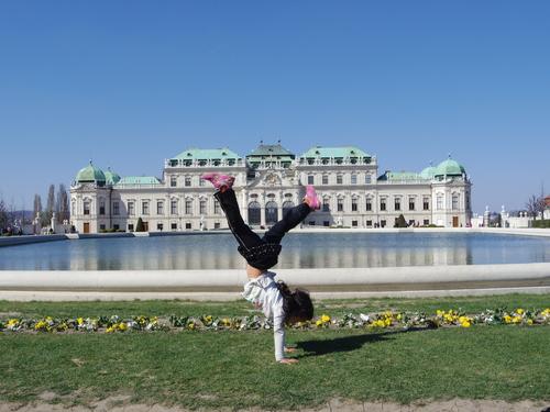 ウィーン&ロンドンへの旅(6)―ウィーン市内散策、ベルヴェデーレ宮殿、公園、子ども_e0123104_6183914.jpg