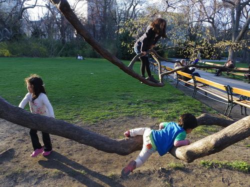 ウィーン&ロンドンへの旅(6)―ウィーン市内散策、ベルヴェデーレ宮殿、公園、子ども_e0123104_6252465.jpg
