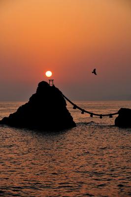 日の出の海に向かう。気圧配置は雲ひとつない快晴。_b0169522_3595983.jpg