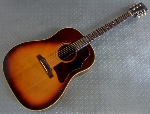 とても状態の良い「1967年製 Gibson J-45」が入荷!_e0053731_1917661.jpg